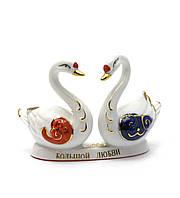 Лебеди пара фарфор