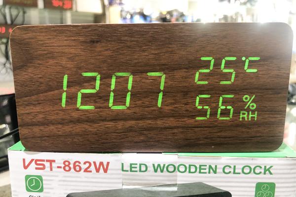 Настільні електронні годинник VST-862S в дерев'яному корпусі з температурою і датчиком вологості