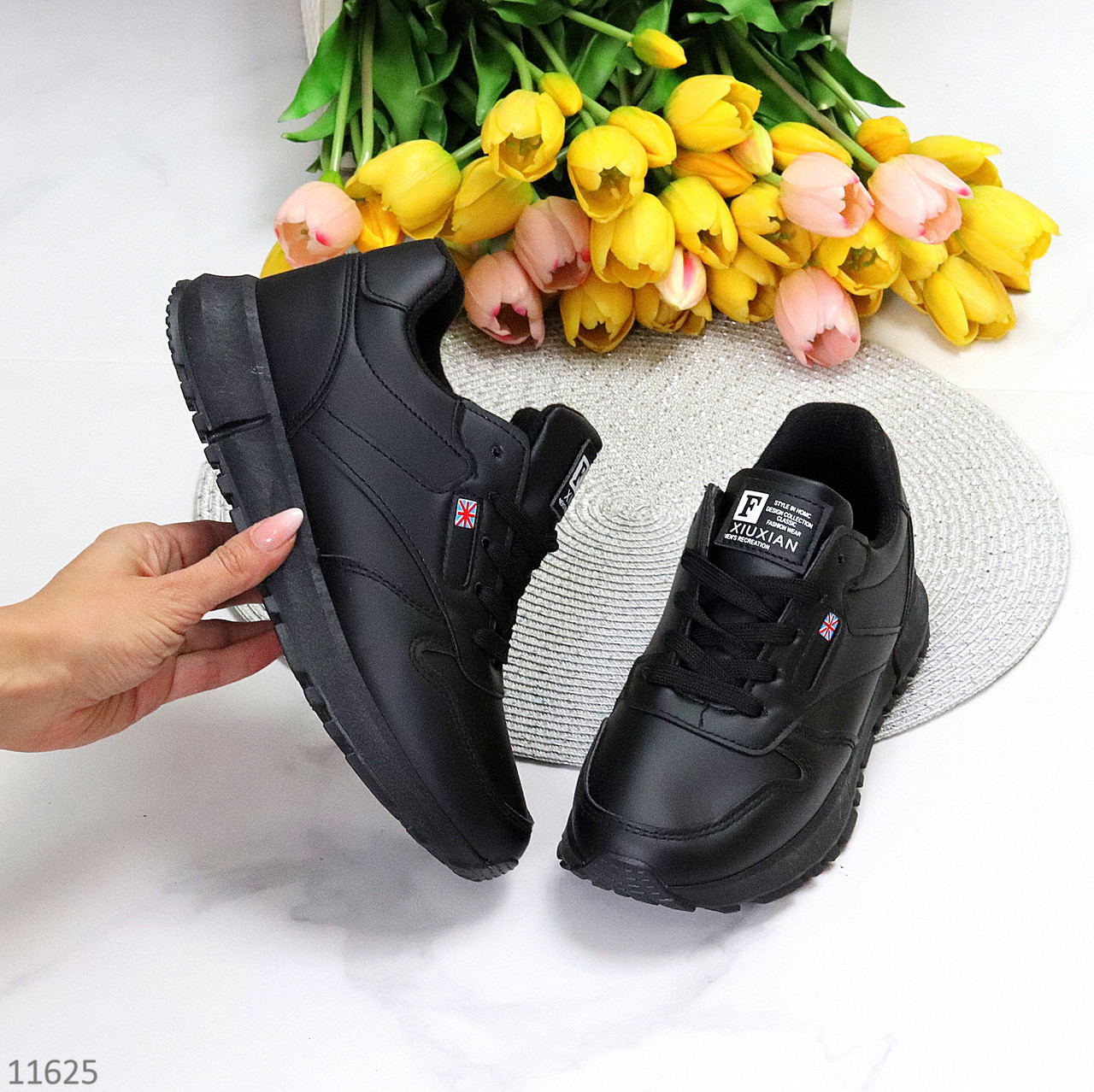Комфортные повседневные молодежные черные женские зимние кроссовки