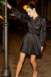 Чорне шовкове плаття на запах