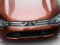 Хром накладка на передний бампер Mitsubishi Outlander 2014+