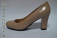 Лаковые бежевые туфли на маленьком каблуке, фото 1