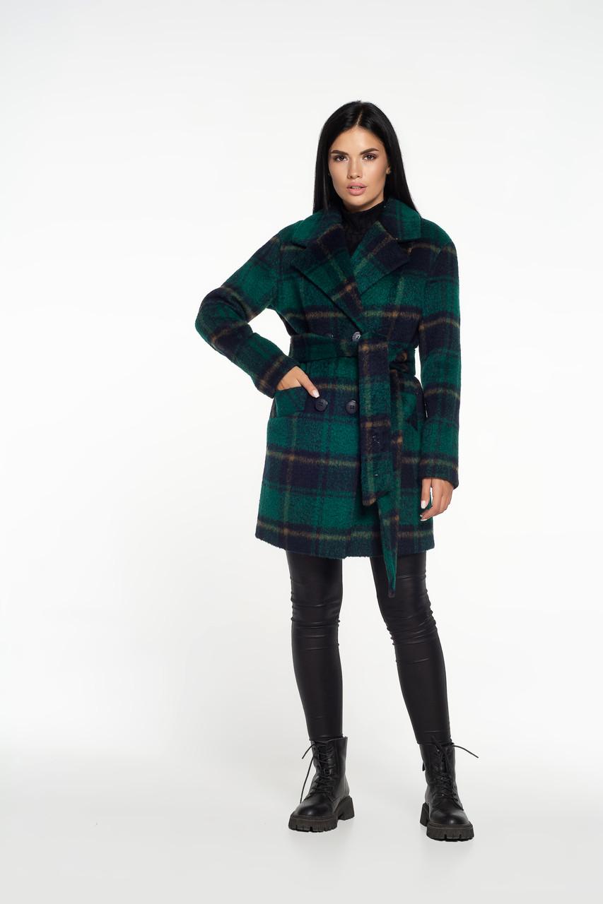 Женское демисезонное пальто в клетку зеленое