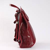 """Жіночий червоний рюкзак-сумка з натуральної шкіри з тисненням """" під зміїну шкіру Tiding Bag - 34376, фото 3"""