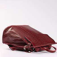 """Жіночий червоний рюкзак-сумка з натуральної шкіри з тисненням """" під зміїну шкіру Tiding Bag - 34376, фото 5"""