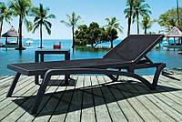 Шезлонг пластиковый Capri. Мебель для бассейна.