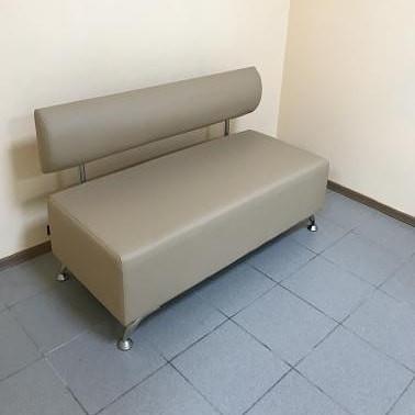 Диванчик ожидания. Диванчик для салона красоты. Офисный диванчик.