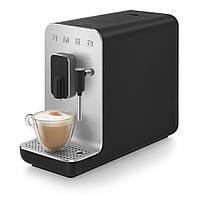 Автоматична кавова машина з капучинатором Smeg BCC02BLMEU чорний матовий