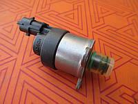 Клапан регулятор топливного насоса новый Renault Trafic 2.5 dci. Клапан ТНВД на Рено Трафик.