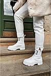 Білі черевики: з чим носити