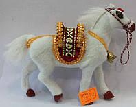 Лошадка белая сувенирная G13-2