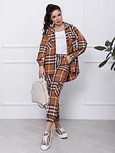 Жіночий коричневий вовняний костюм з накладними кишенями. Джоггер з подовженою сорочкою.