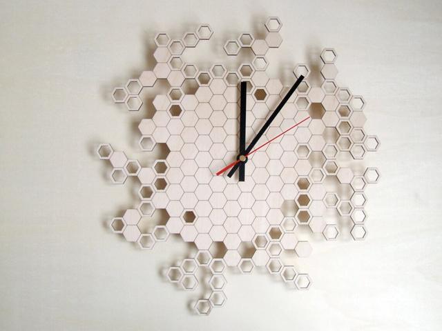 Оригінальні дизайнерські годинники настінні з фанери