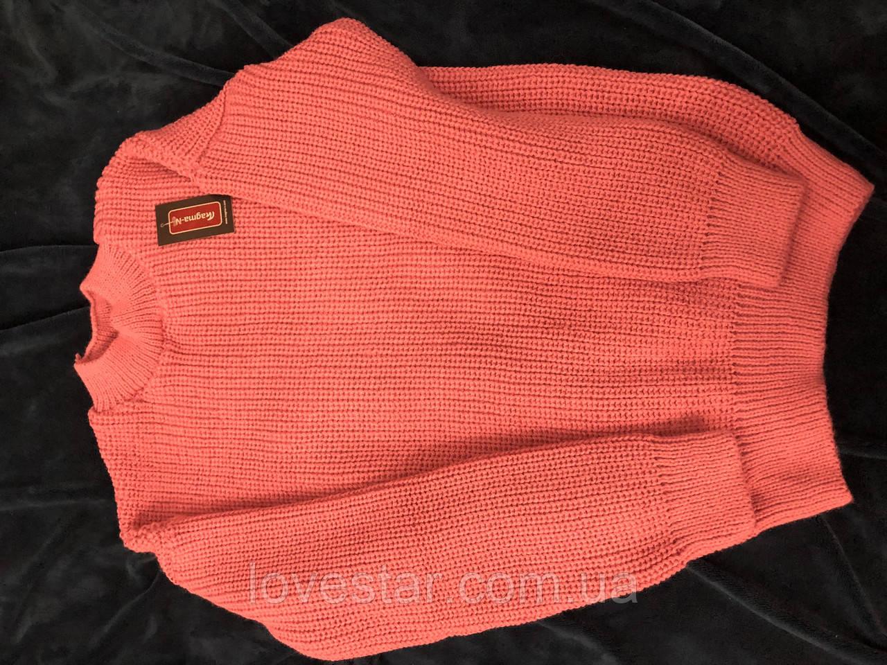 Жіночий в'язаний светр