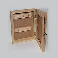 Ключница с дверкой-рамкой в сборе.