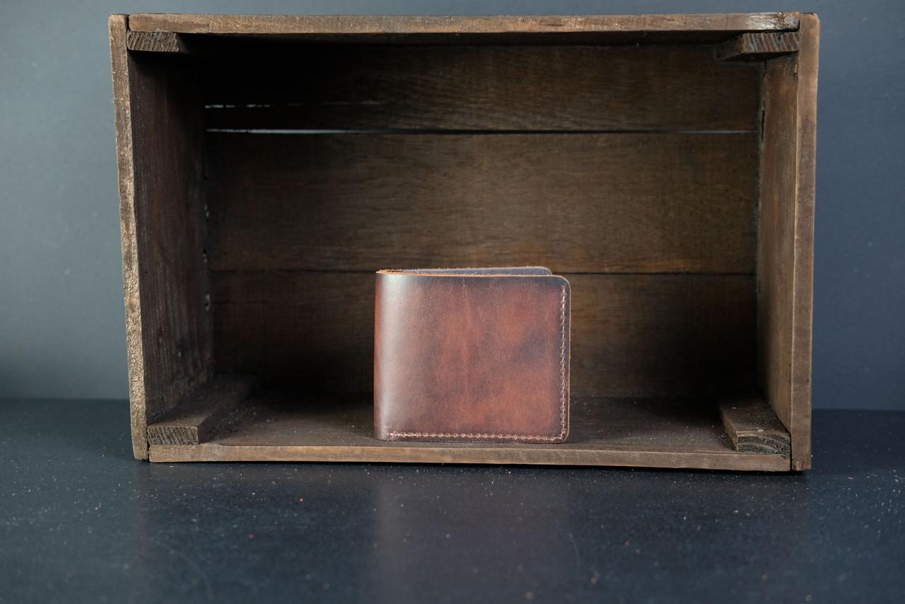 Чоловічий шкіряний гаманець Компакт, натуральна італійська шкіра Краст, колір коричневий, відтінок Вишня