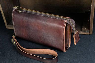 Чоловічий шкіряний гаманець Тревел, з ремінцем, натуральна італійська шкіра Краст, колір коричневий, відтінок Вишня