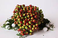 Глянцевые ягоды (калина) 400 шт/уп. 1 см диаметр, зеленого цвета с бордовым бочком оптом
