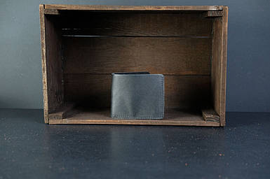 Мужской кожаный кошелек Компакт, натуральная кожа итальянский Краст, цвет Черный