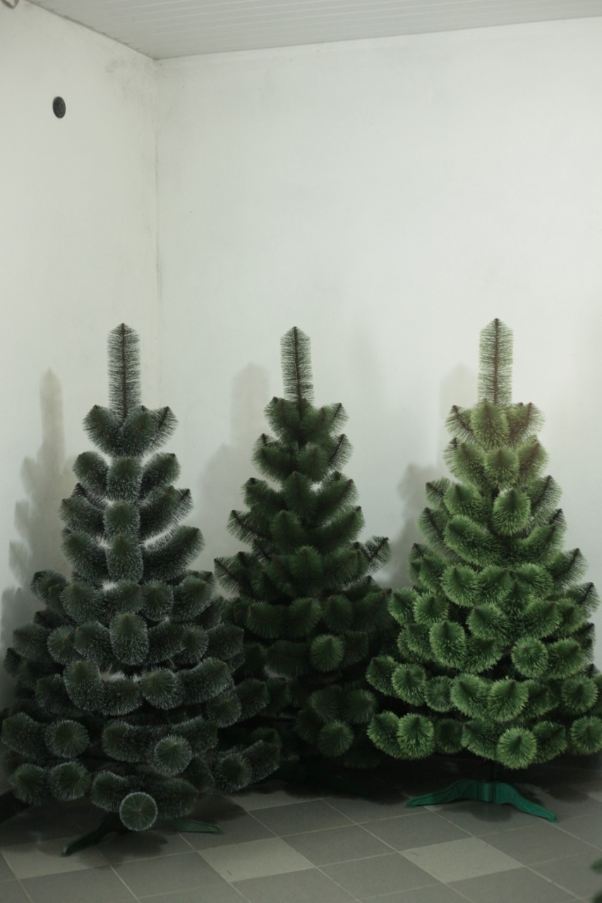 """Штучна новорічна зелена сосна зрозпушена з інеєм """"СНІГ"""" ПВХ, висота 2,2 м"""