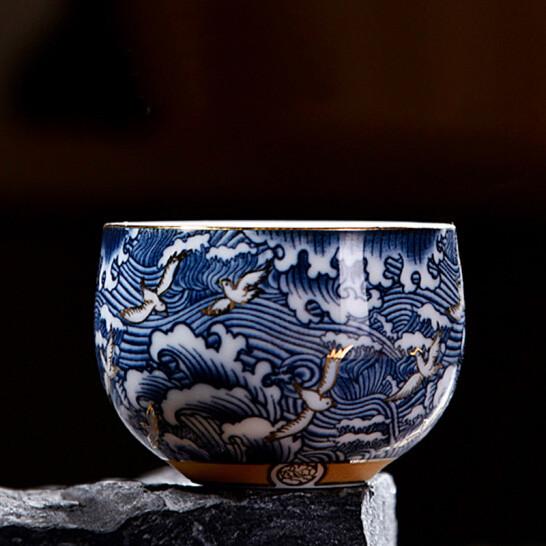 Чашка для чаепития расписная фарфор тучи с птицами 50 мл