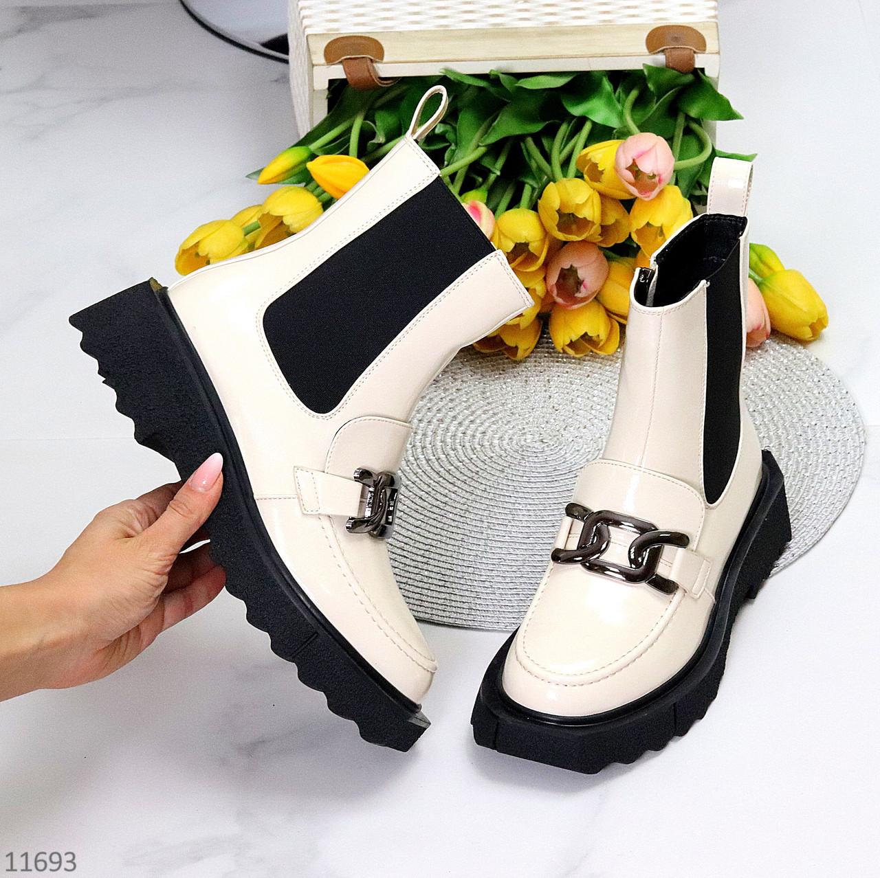 Люксовые высокие светлые бежевые женские ботинки челси с декором