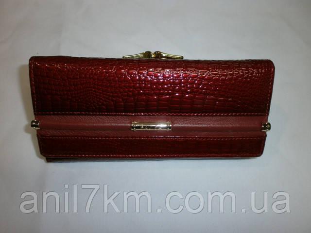 Жіночий лаковий гаманець фірми BALISA