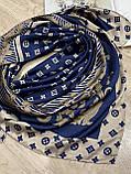 Брендовый атласный платок Louis Vuitton синий с бежевым 90х90 см (цв.5), фото 3