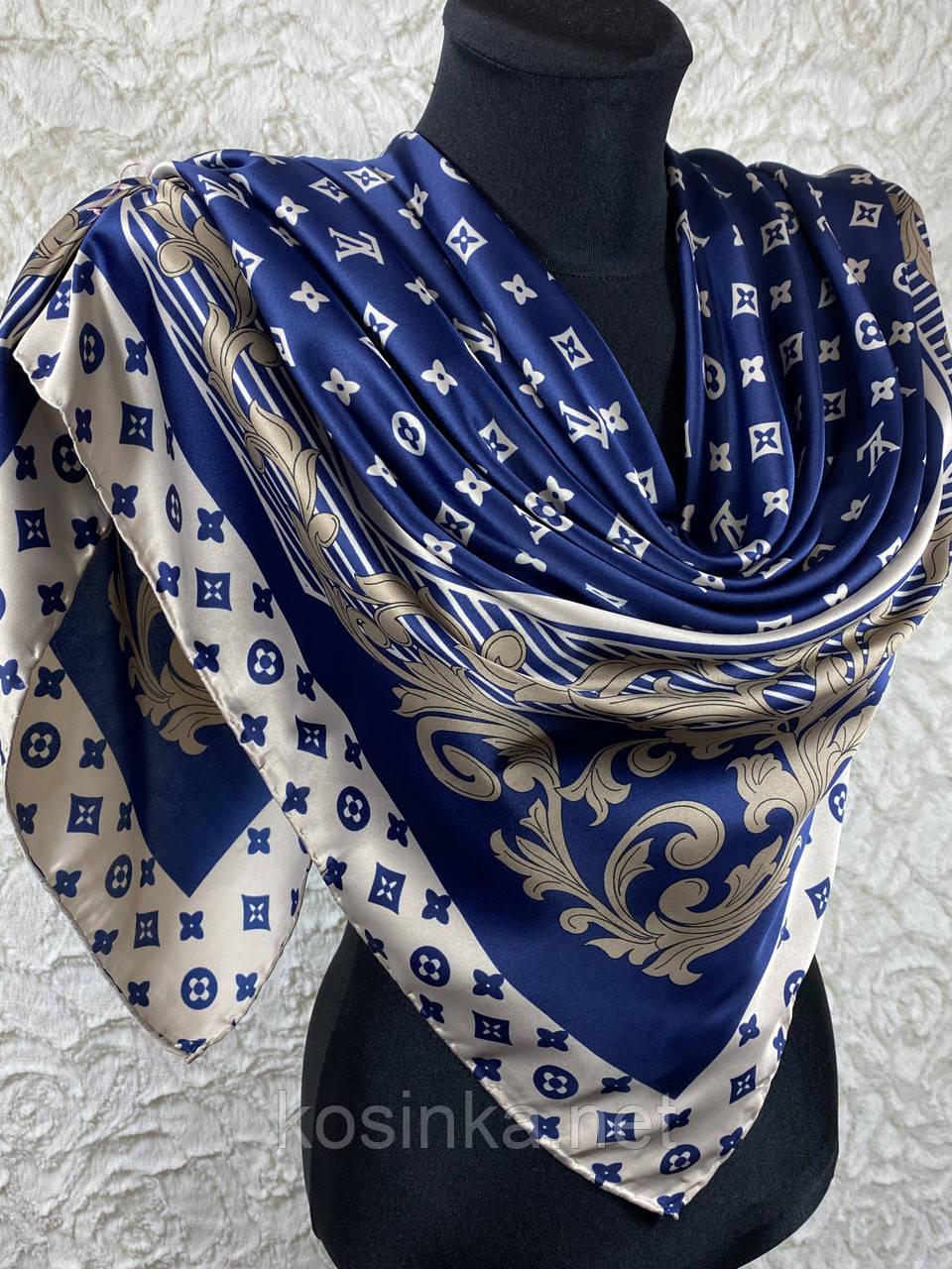 Брендовый атласный платок Louis Vuitton синий с бежевым 90х90 см (цв.5)