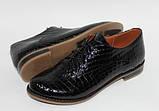 Жіночі туфлі на низькому ходу з чорної шкіри крокодила лак, фото 2