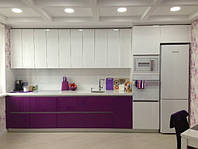 Фиолетовая кухня с глянцевыми фасадами, фото 1