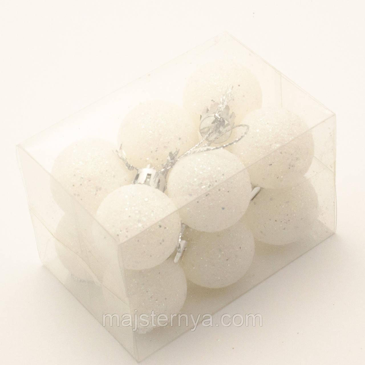 Новорічні іграшки на ялинку - білі кулі 5см (12шт в упаковці)