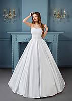 Утонченное свадебное платье с шикарной вышивкой на корсете и распрекрасной, бесконечной юбкой