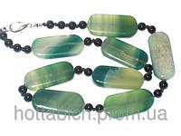 Ожерелье зеленого цвета камень агат