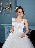 Трогательное свадебное платье с пышной юбкой как у принцессы  и ажурным лифом