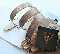 Женский кожаный ремень с тиснением Guess цвет капучино, фото 1