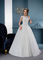 Красивейшее свадебное платье с нежным прозрачным лифом и шикарной вышивкой на спинке