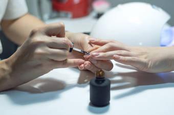 Бази та топи для нігтів BRAVO - гарантія якісного і стійкого манікюру