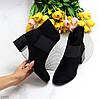 Удобные черные замшевые ботинки ботильоны на среднем фигурном каблуке, фото 5