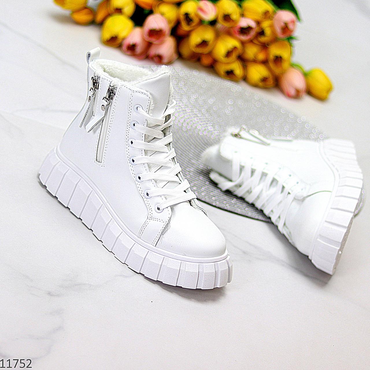 Універсальні білі жіночі спортивні зимові черевики на шнурівці