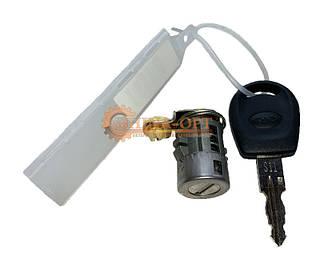 Замок двери передней правой цилиндр личинка с ключом Чери КуКу Chery QQ 0.8 1,1 МКПП АКПП