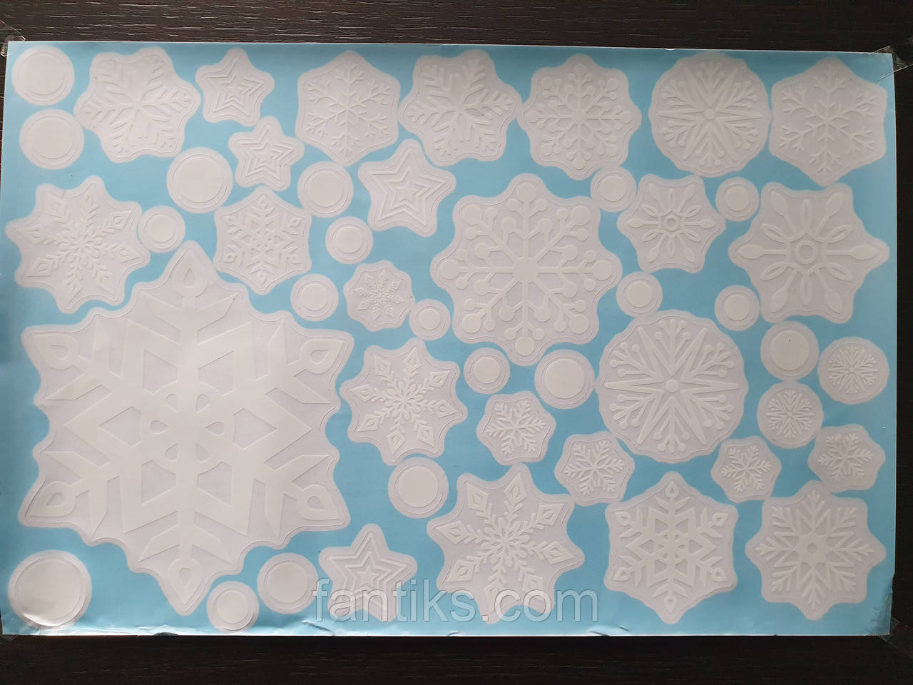 """Набір вінілових наклейок """"Сніжинки білі"""" (ПВХ) для декору вікна"""