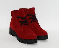 Женские ботинки из натурального замша красного цвета на тракторной подошве, фото 1