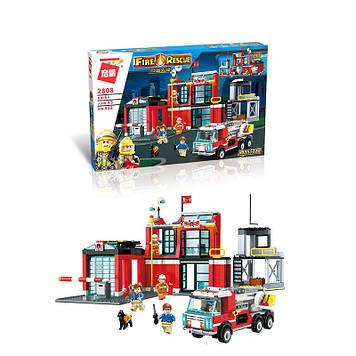 Конструктор для мальчика Qman Блочный конструктор пожарный участок с машиной и фигурками людей и животных