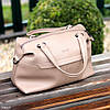 Стильная бежевая удобная дорожная сумка Дафл через плечо с короткими ручками, фото 2