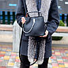 Удобная городская женская черная мини сумка почтальонка кросс боди через плечо, фото 5