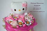 """Букет з іграшок і цукерок """"Hello Kitty"""". Оригінальний букет дівчинці."""