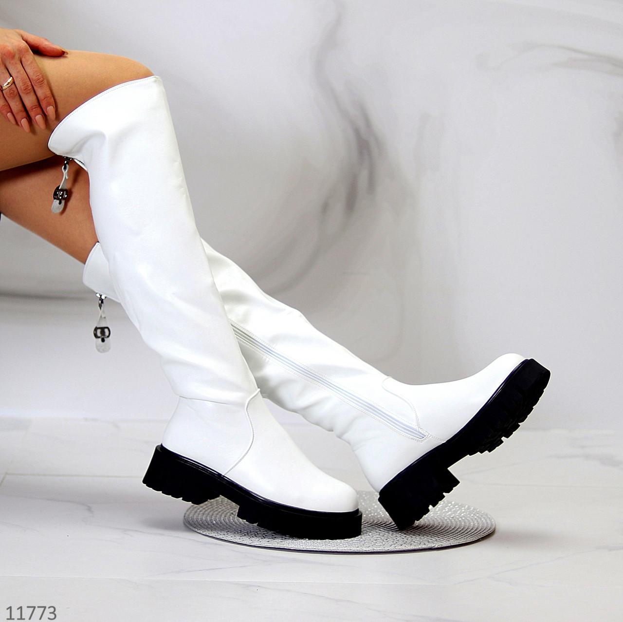 Эффектные удобные белые зимние высокие женские сапоги ботфорты