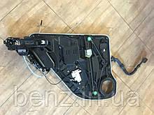 Стеклопод'емник задній правій двері з электродоводчиком Mercedes W166 A1667600403