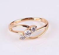 Кольцо позолоченное с белыми цирконами р 18 19 код 875